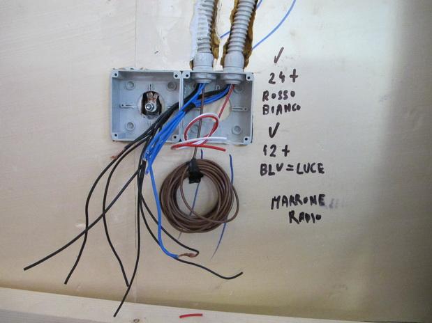 Impianto elettrico stepsover - Colori cavi elettrici casa ...