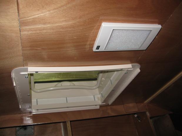Plafoniere Led 12v Camper : Plafoniere camper v plafoniera led per lampada ovale