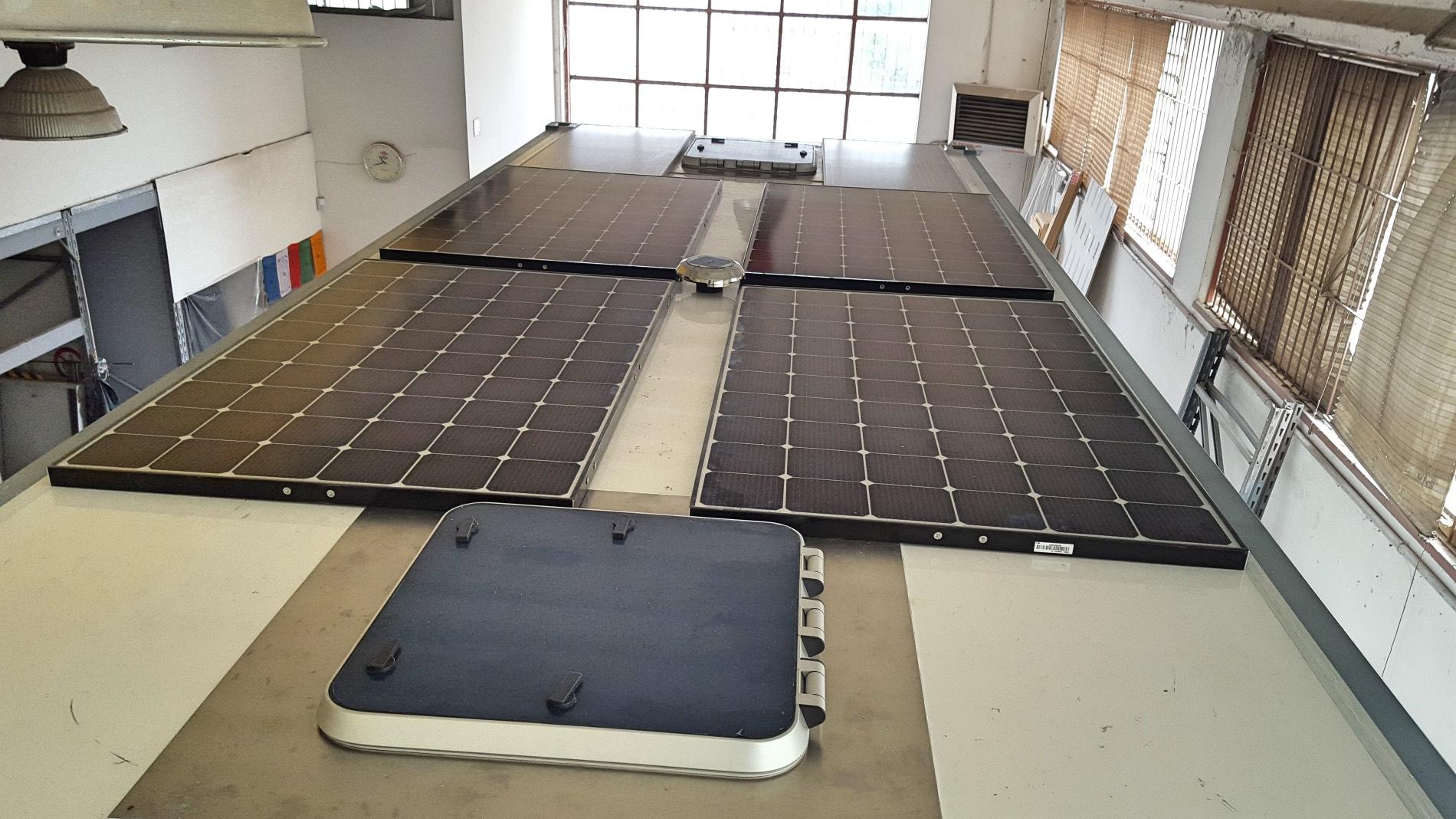pannelli-solari-tetto-camper