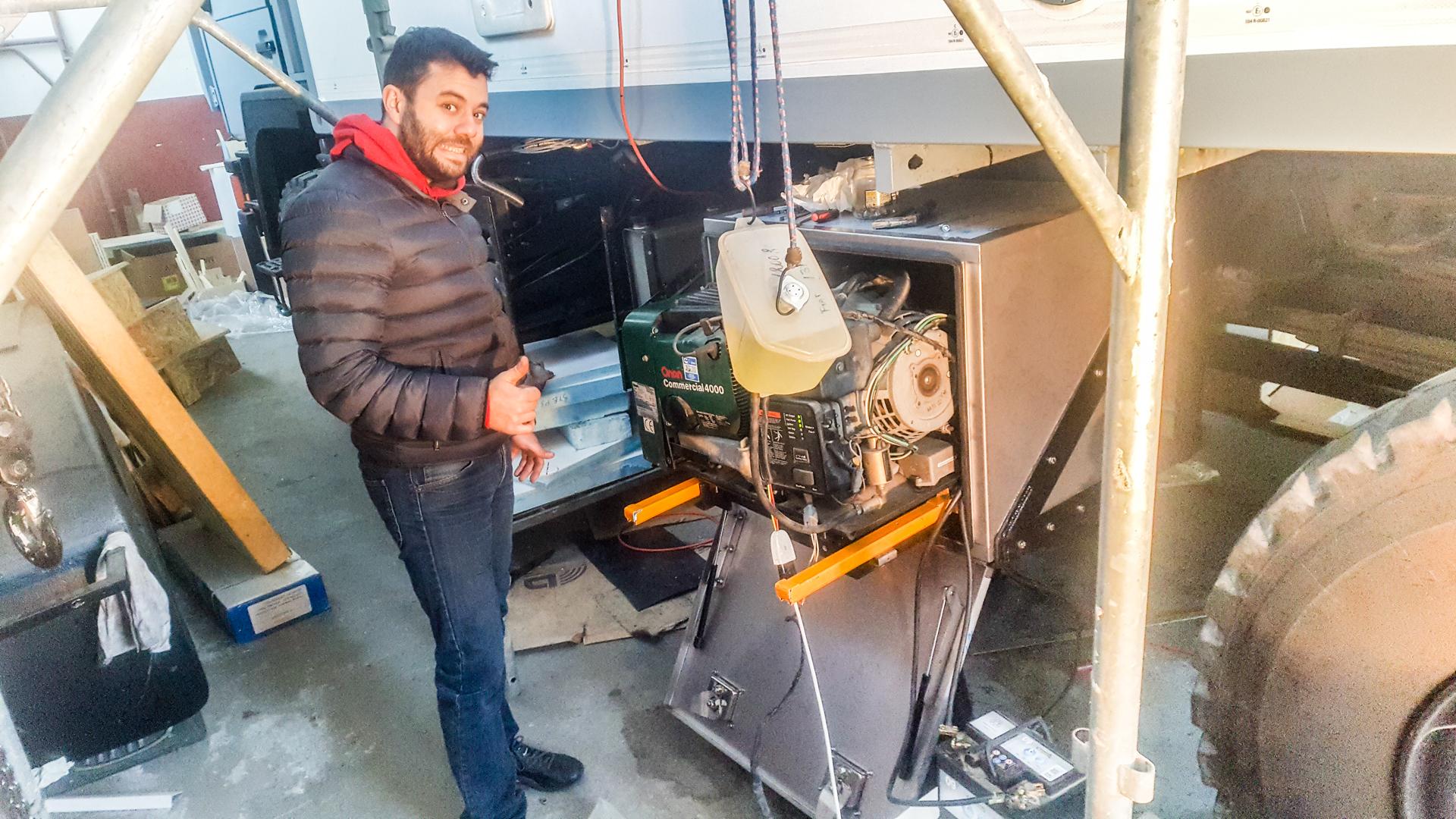 supporto-scorrevole-generatore-camper