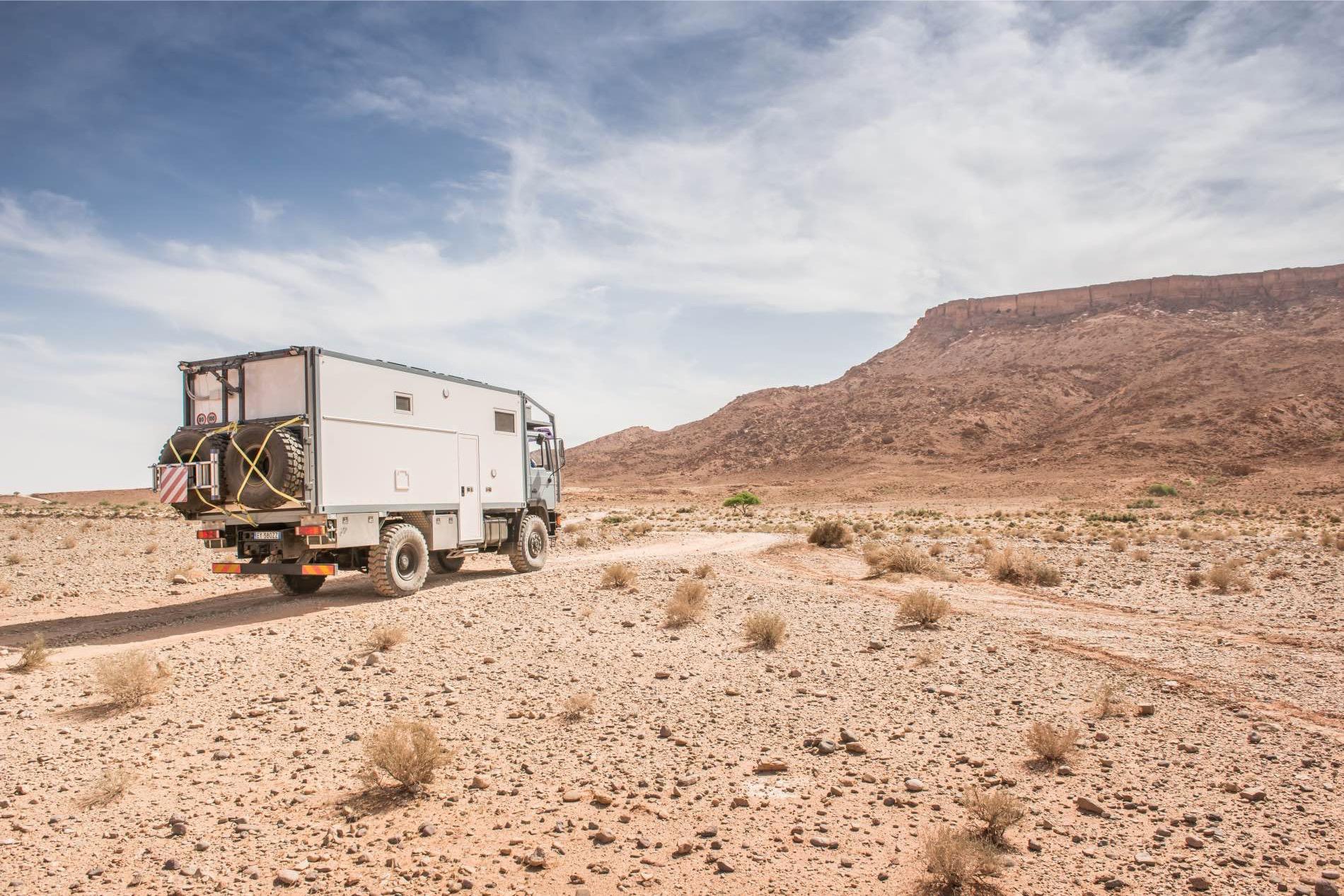 desert-road-truck_3.jpg