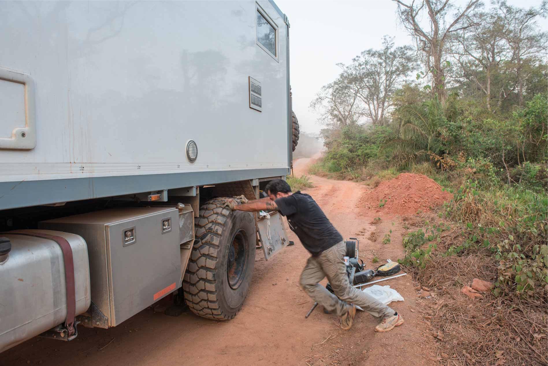 riparazione gomma overland travel