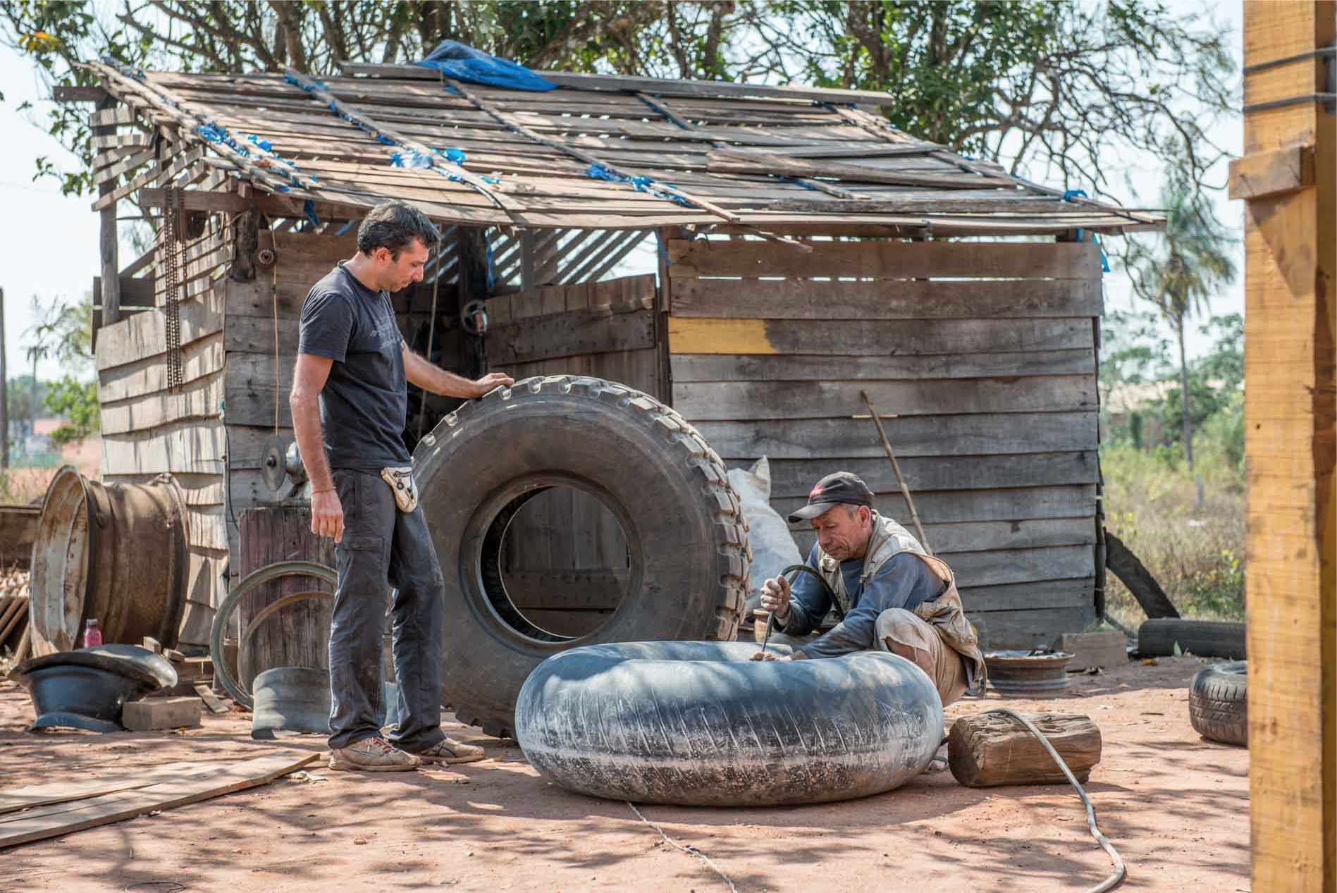 tyre change in bolivia