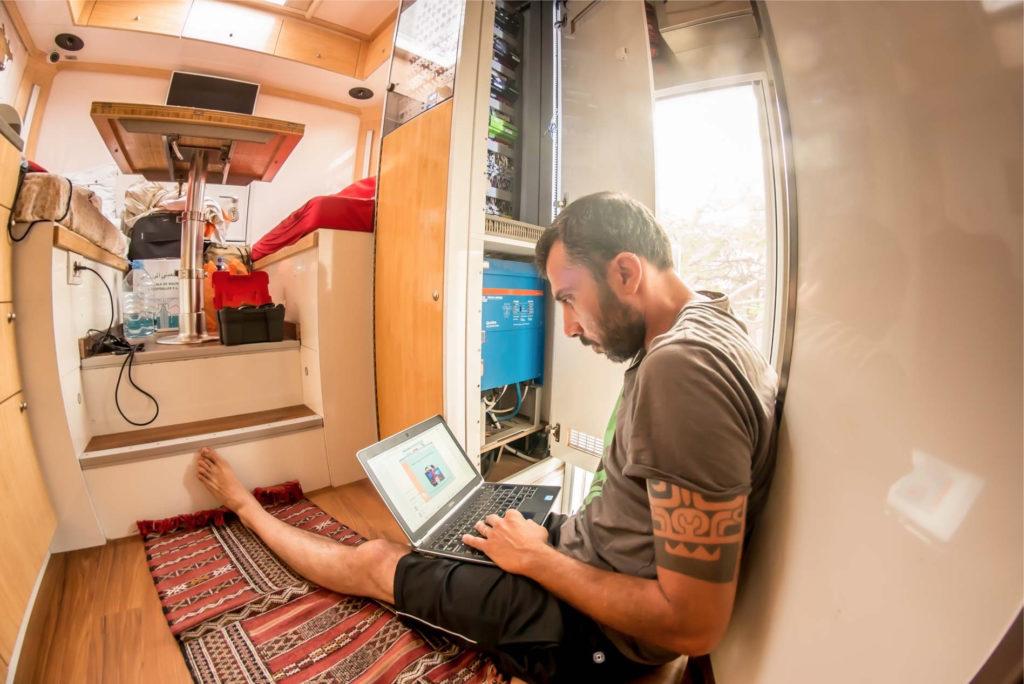 Schema Elettrico Camper : Come dimensionare l impianto elettrico solare di camper van o